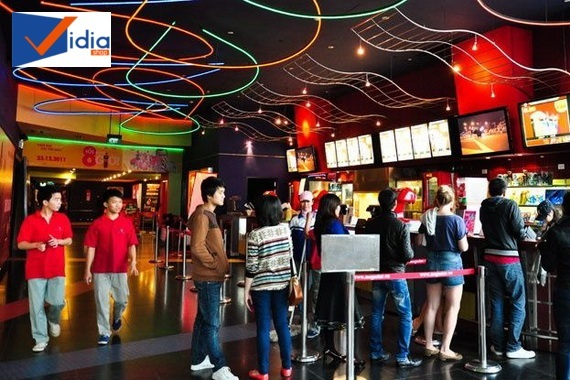 Cảnh đi xem phim ở rạp