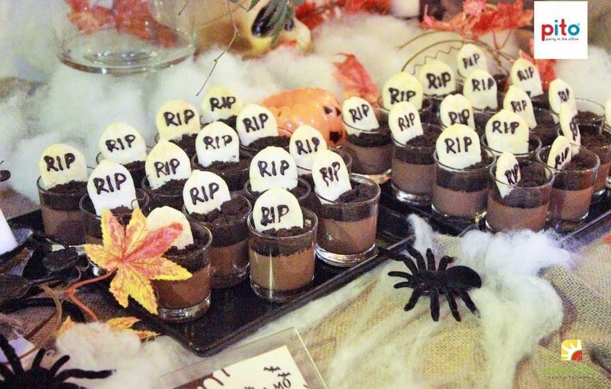 Ý tưởng trang trí bàn tiệc halloween thật kinh dị, ấn tượng