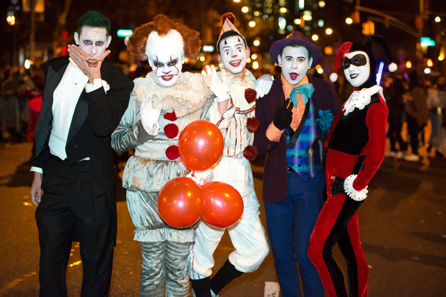 Khách mời đến tham dự lễ hội Halloween nên là những người trẻ, năng động và yêu thích lễ hội này